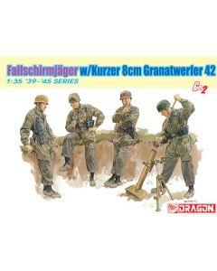 Fallschirmjager w/Kurzer 8cm Granatwerfer42