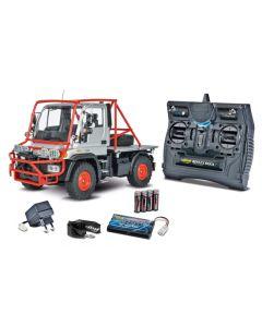 carson Unimog U300 pompier : camion RTR radiocommandé électrique avec radiocommande batterie et chargeur.