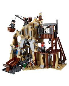 L'attaque de la mine d'argent LEGO 70110