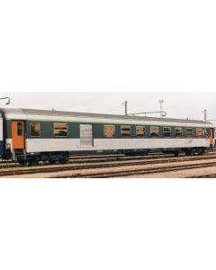R45758 HO Voiture corail 2cl/fourgon sncf